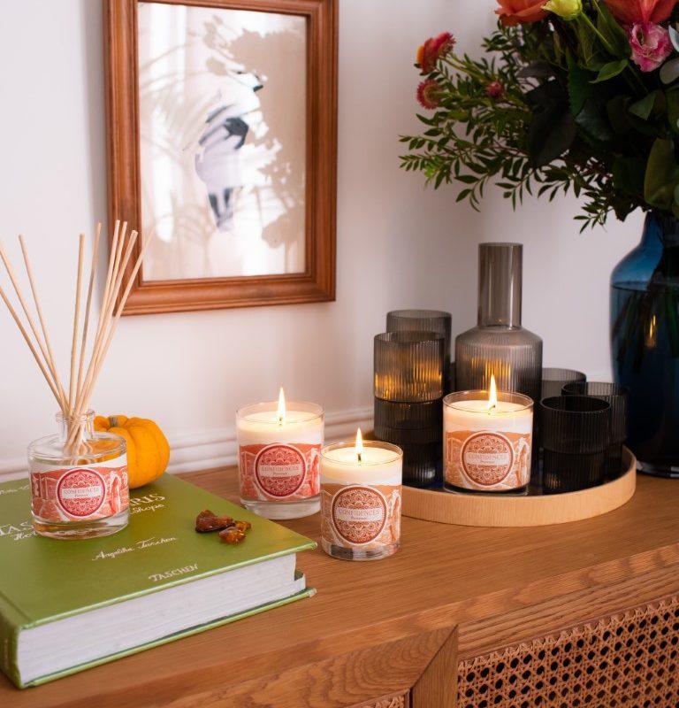Ambiance bougies parfums de caractère sur enfilade